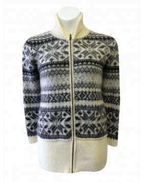 Zip-through T-neck/Shawl-neck cardigan for women. Made in Canada of 100% Icelandic Wool.