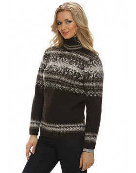 Turtleneck Wool Sweater for Women. Dark Chocolate. 100 % Icelandic wool.