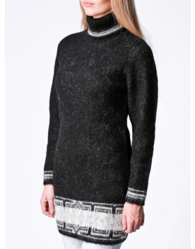 Black Wool Sweater/Dress for Women. Turtleneck. 100 % Icelandic wool.