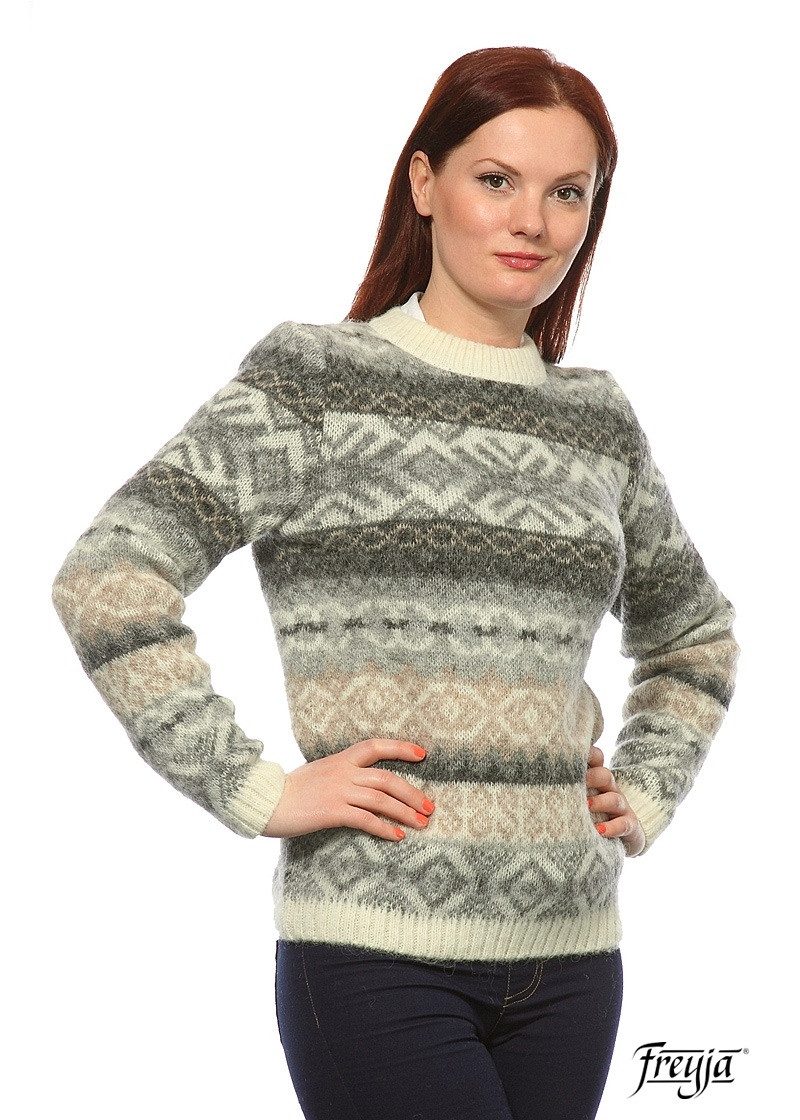 Crew Neck Wool Sweater for Women - Natural Colors. 100 % Icelandic Wool.