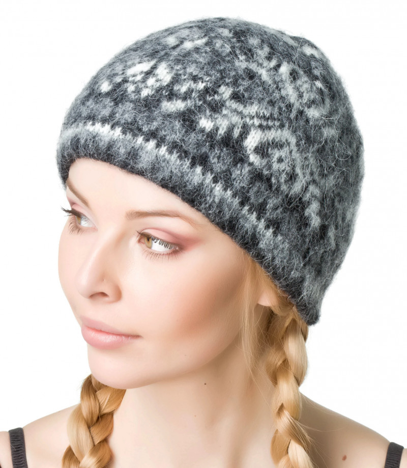 Women's knit Hat. 100 % Icelandic wool