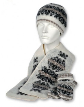 Set (toque, scarf and mittens). 100  % Icelandic wool.
